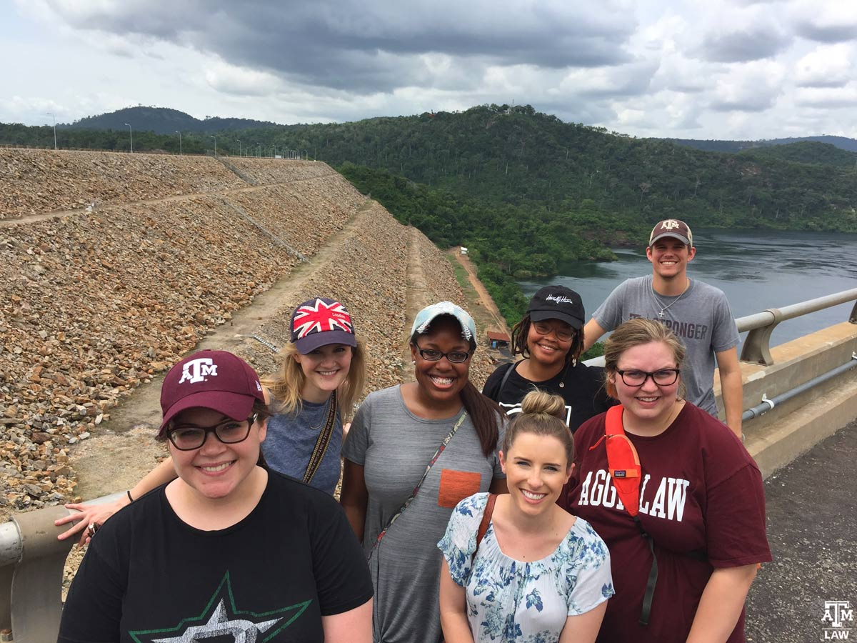 Aggie Students in front of Akosombo Dam