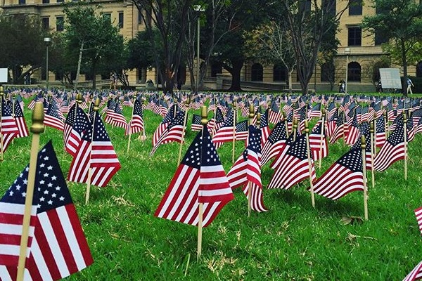 aggie-veteransday-flags